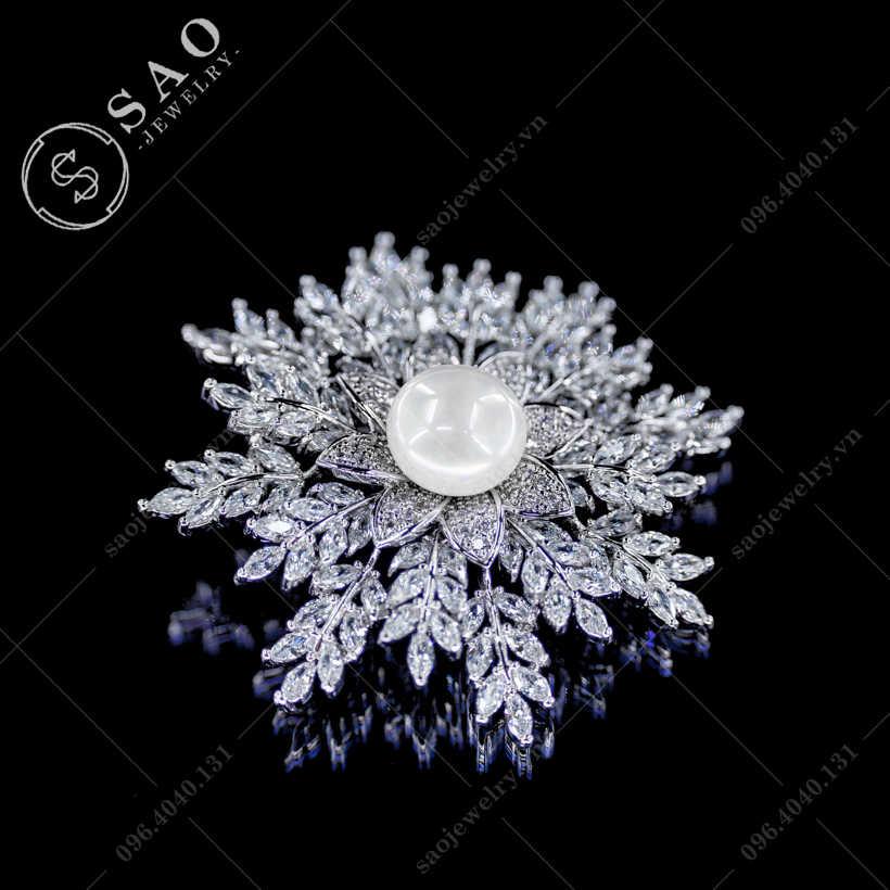 Cài áo bông tuyết cao cấp SAO - C302