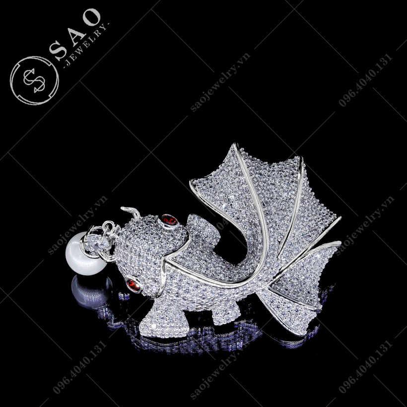 Cài áo cá may mắn cao cấp SAO - C83