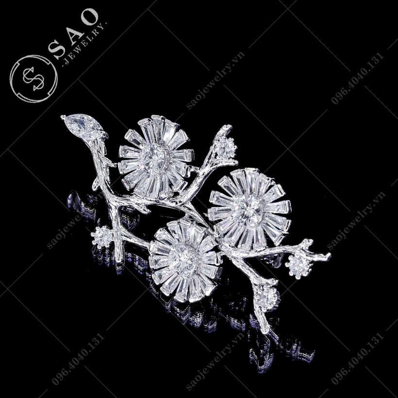 Cài áo cành hoa pha lê sang trọng SAO - C115