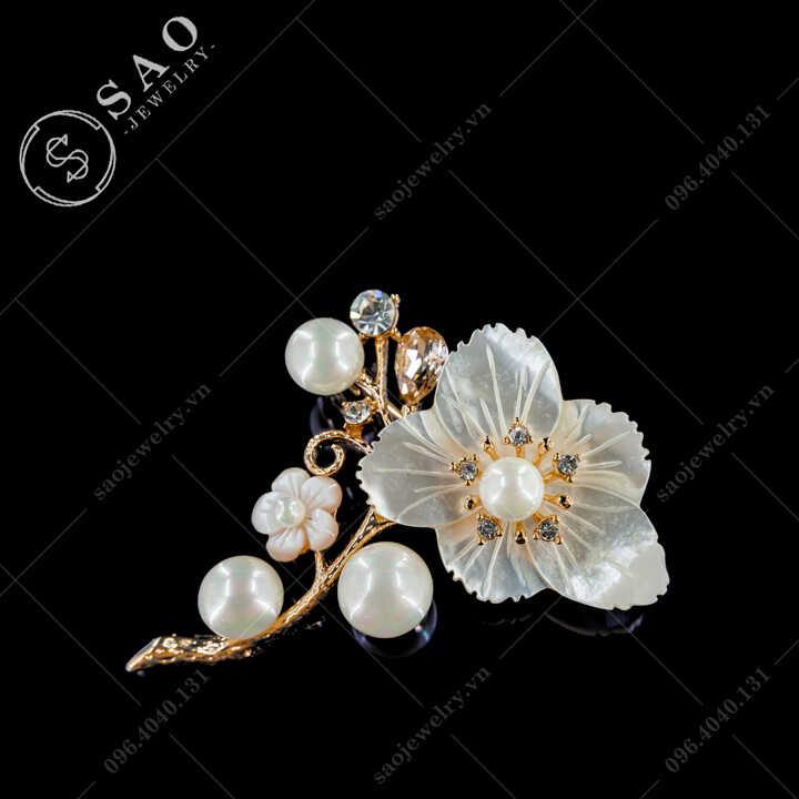 Cài áo nữ cành hoa vỏ sò phối ngọc trai cao cấp SAO - C702