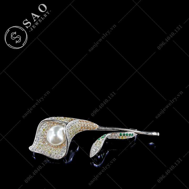 Cài áo nữ hoa ly phối màu đính hạt ngọc hàn quốc SAO - C695