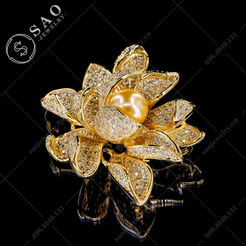 Cài áo hoa sen sang trọng SAO - C303
