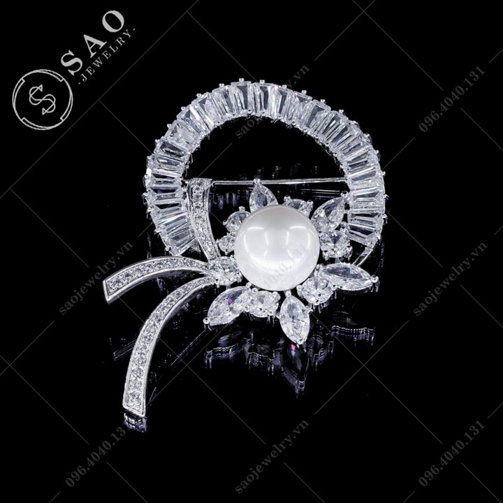 Cài áo nguyệt quế pha lê SAO - C123