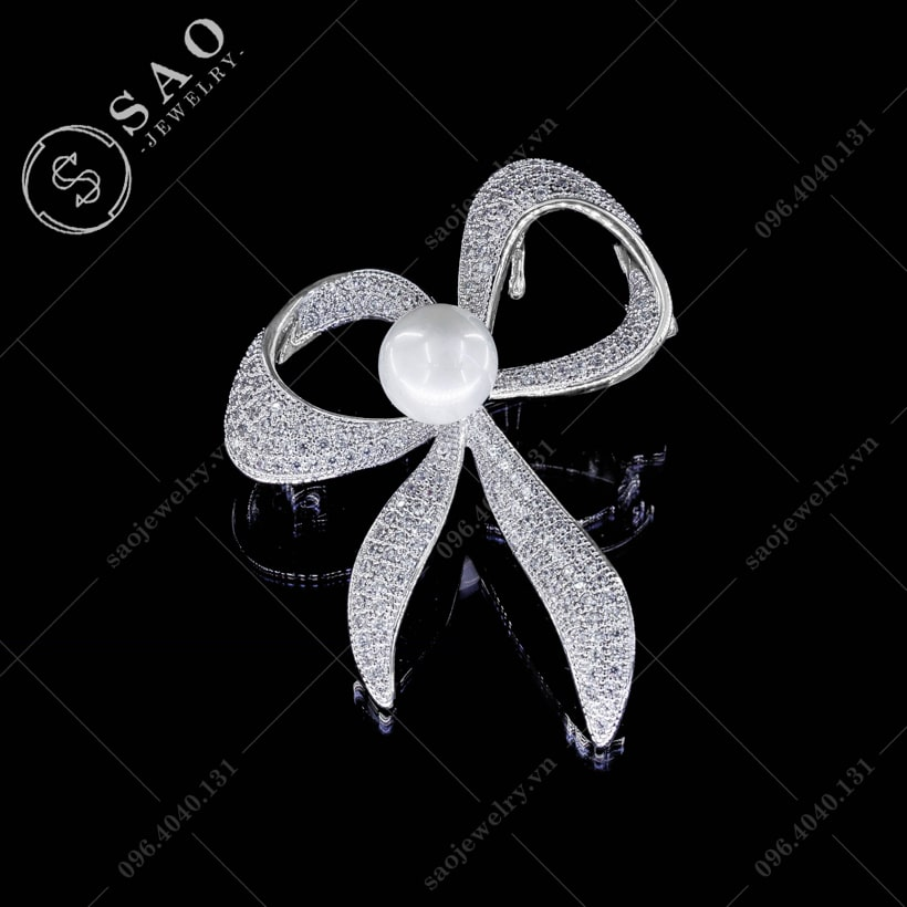 Cài áo nơ bạc hàn quốc SAO - C40