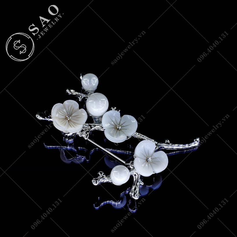 Cài áo nữ cành hoa sang trọng SAO - C08