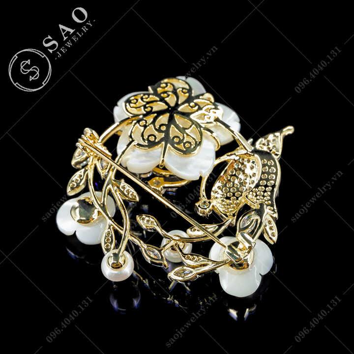 Cài áo nữ vòng hoa bướm cao cấp SAO - C701