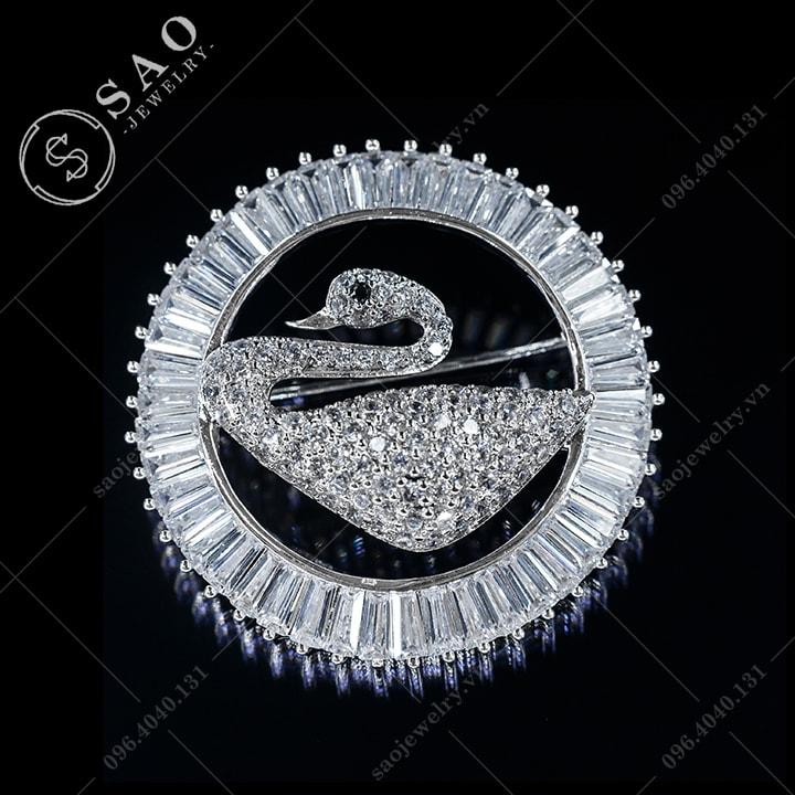 Cài áo vòng thiên nga pha lê SAO - C553