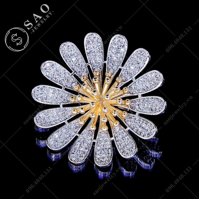 Hoa cài áo cúc nhụy vàng cao cấp SAO - C154