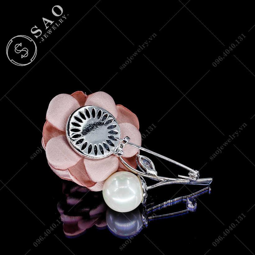 Hoa cài áo hồng sang trọng SAO - C62