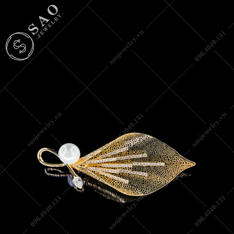 Hoa cài áo loa kèn cao cấp SAO - C391