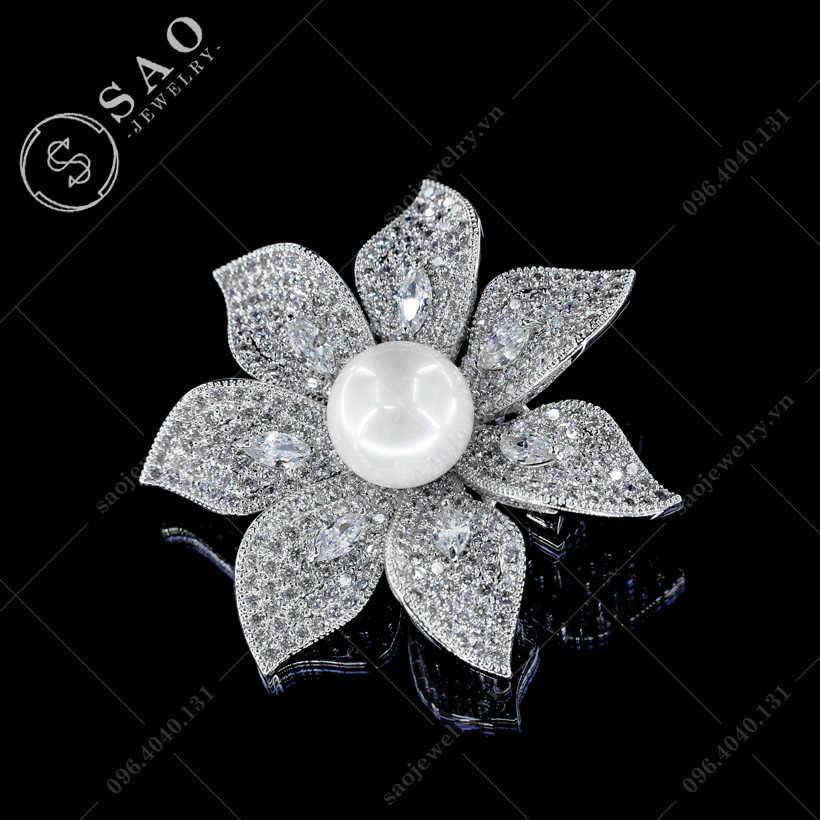 Hoa cài áo mai bạc đính ngọc sang trọng SAO - C451
