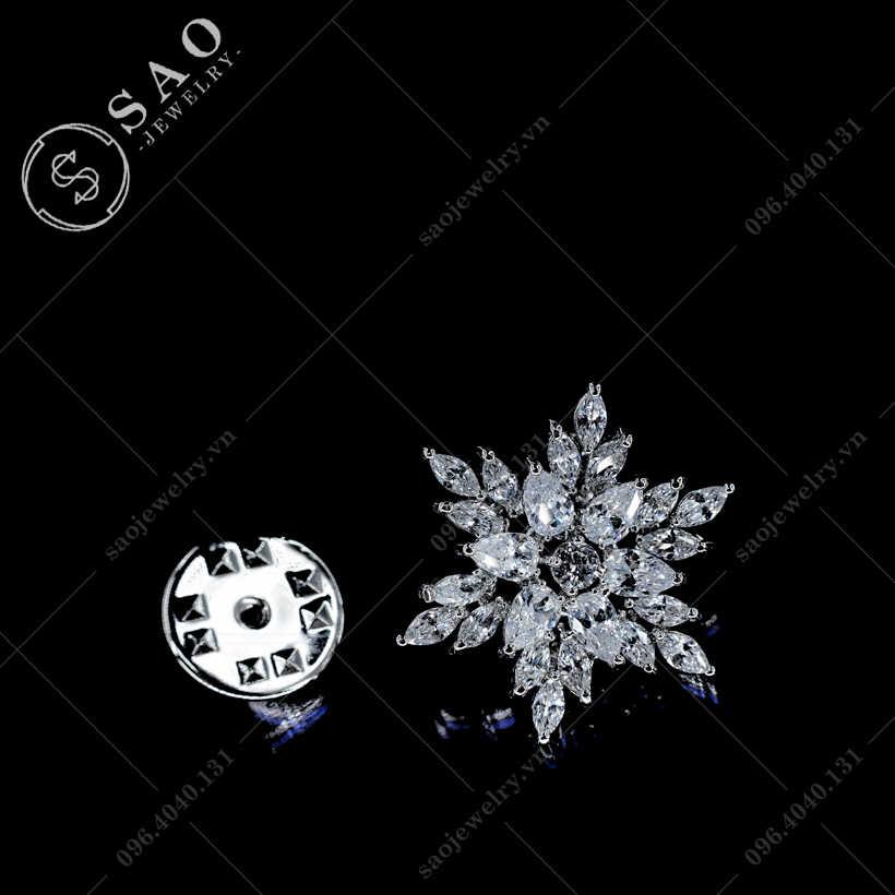 Khuy cài áo hoa tuyết SAO - K12